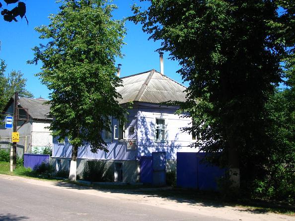 Мемориальный комплекс с крестом Жиздра Лампадка из габбро-диабаза Семеновская